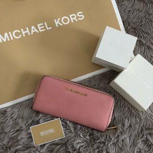 Authentic Michael Kors Jet Set Wallet